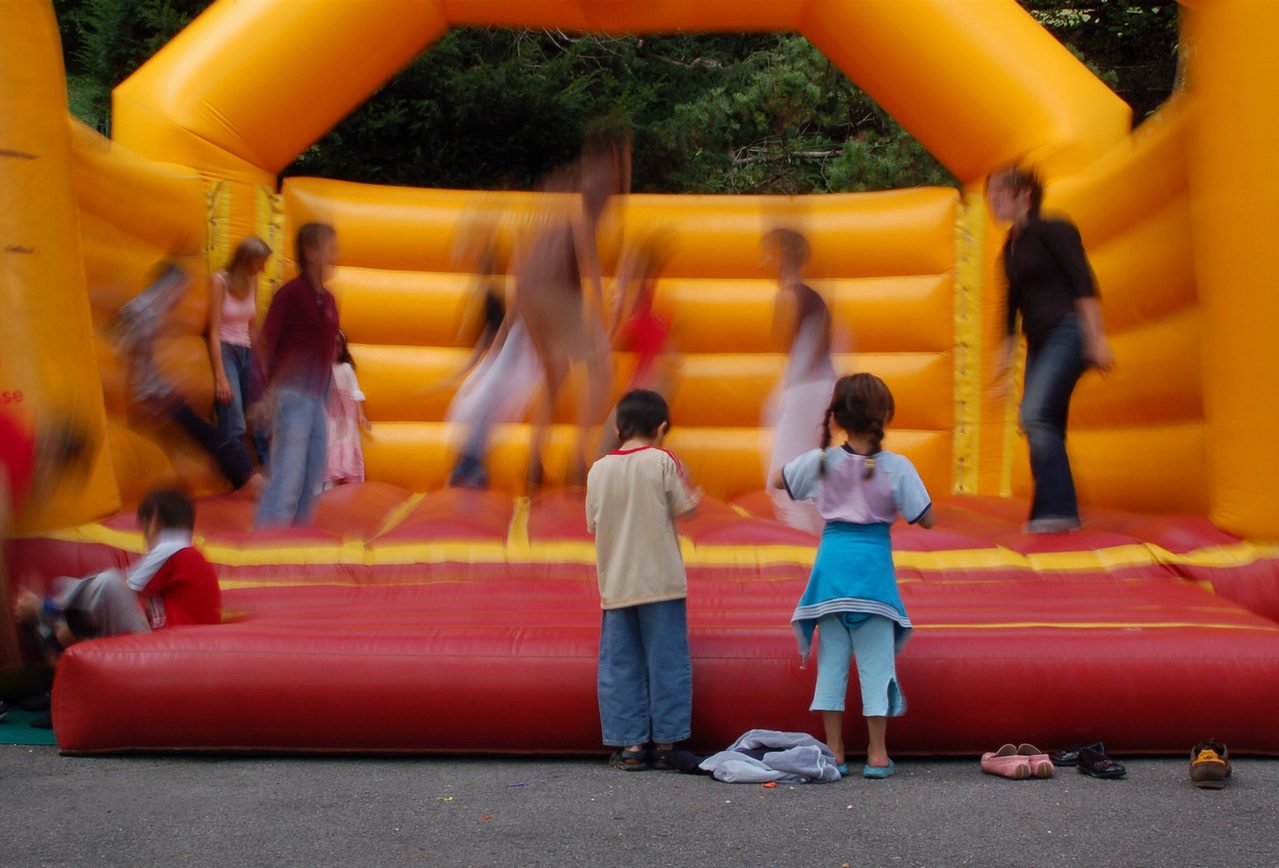 bouncy-castle-with-kids-1435901-1279x867